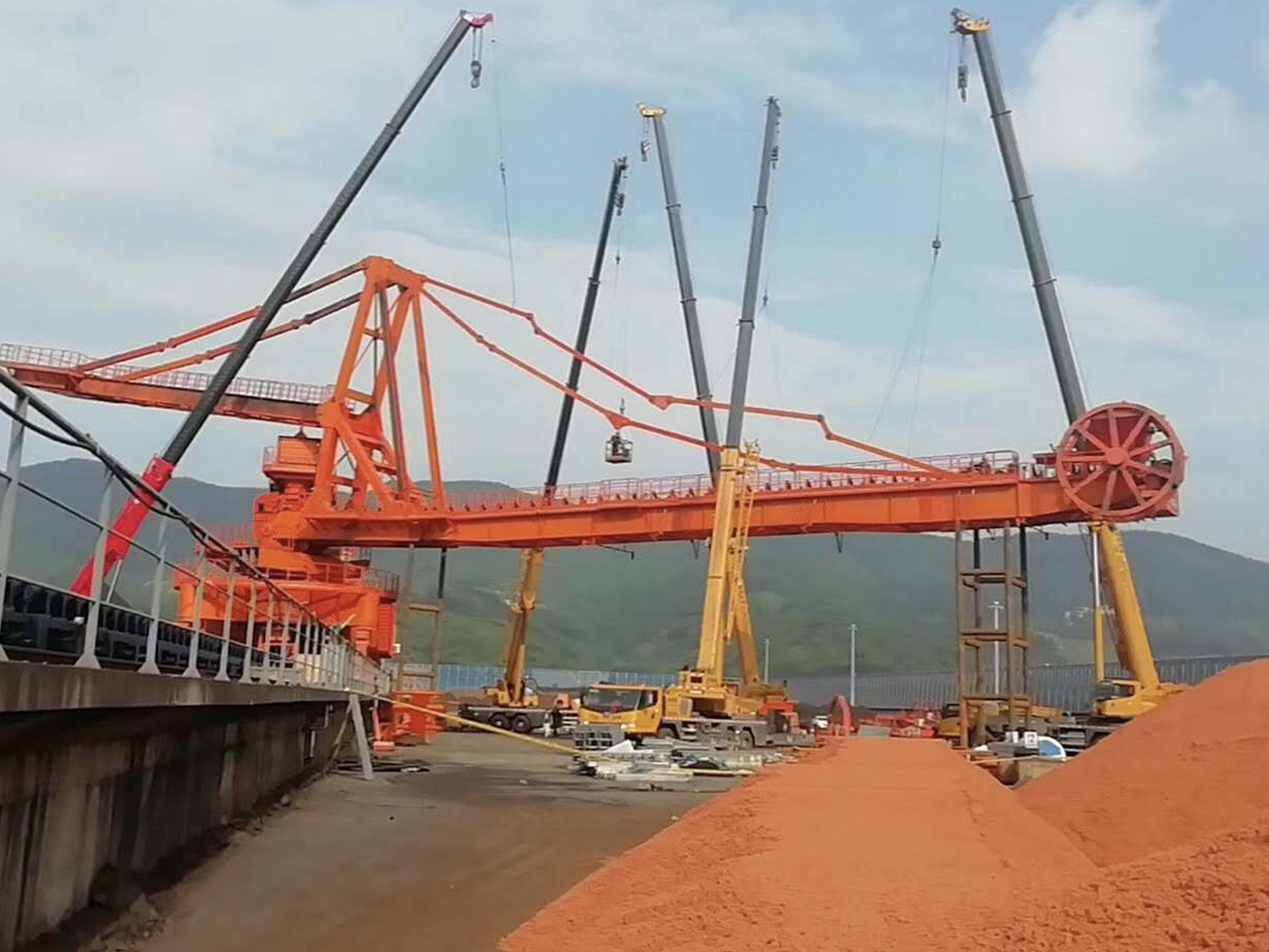 Chongqing Orchard Port Bucket Wheel Stacker Reclaimer Project Installation